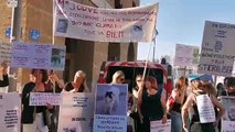 Conseil municipal de Marseille : près d'une centaine de manifestants devant la mairie