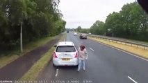 Elle coupe la route à un camion et se fait percuter