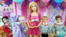 Twin Barbie & Ken's Birthday Party with Friends! Pesta ulang tahun Barbie Festa de aniversário | Karla D.