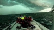 Frappé par la tempête, un bateau démâte au large de Genève lors d'une régate