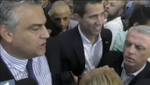 Juan Guaidó entra libremente en Venezuela ante el clamor popular y con la amenaza de arresto de Maduro