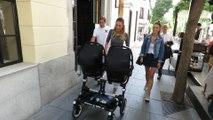 Alice Campello pasea a sus bebés por las calles de Madrid