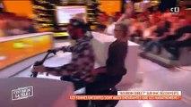 Cyril Hanouna entre sur le plateau de Valérie Benaim pour balancer des boules puantes... et repart en moto !