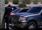 Des policiers arrêtent une famille de façon très agressive pour un simple vol de poupée !