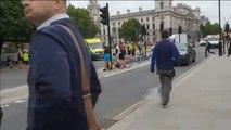 Varios ciclistas heridos tras ser atropellados por un coche frente al Parlamento británico