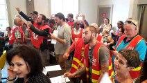 Gilets jaunes et syndicalistes perturbent le début de la séance du conseil municipal de Besançon