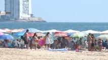 Playas llenas para combatir la ola de calor que llega a la Comunitat Valenciana