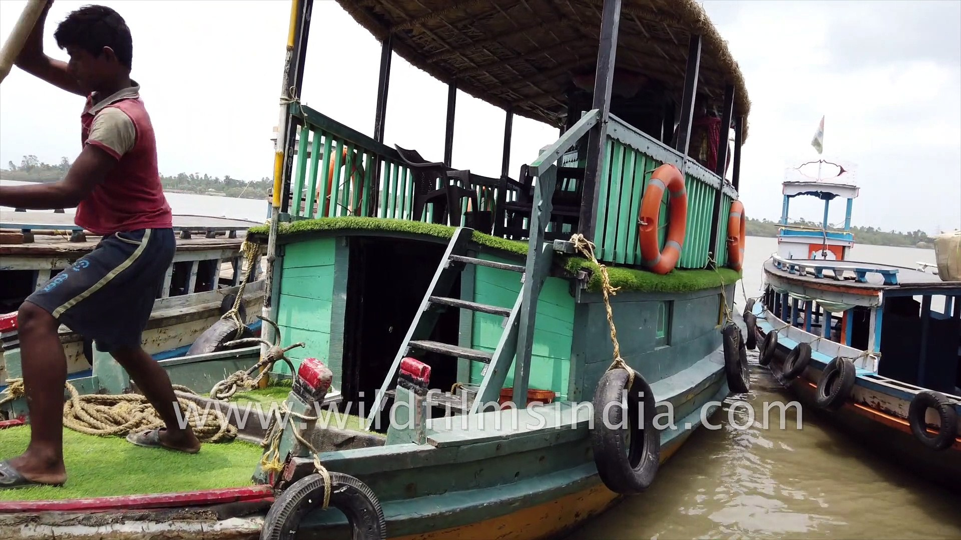 Private Boat ride in Sundarban, crossing the Datta River  to Backpackers Eco Village , Satjelia Isla