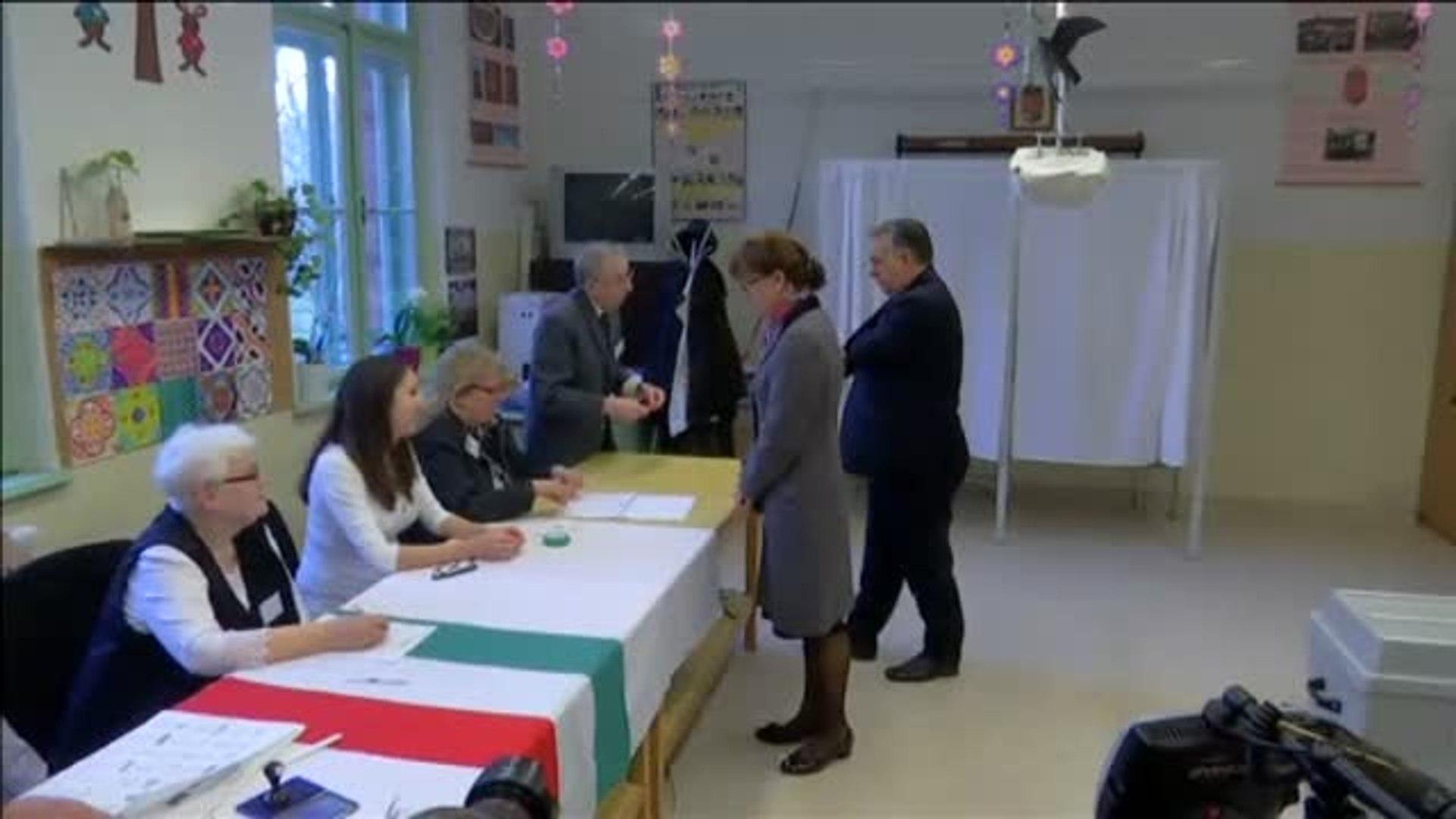 Hungría vota en elecciones parlamentarias con Viktor Orban como favorito