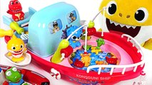 Baby Shark Gets a Cooking - Fishing Boat- Let's go to the sea~- - PinkyPopTOY