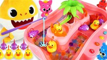 Let's go Fishing Game- Baby Shark vs Daddy Shark- Who's the Winner? - PinkyPopTOY