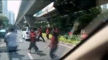Momentos de pánico en Yakarta por el terremoto de 6,4 grados que ha sacudido la isla indonesia de Java