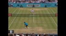 Queen's - Simon met la balle de match dans le filet et offre la victoire à Lopez