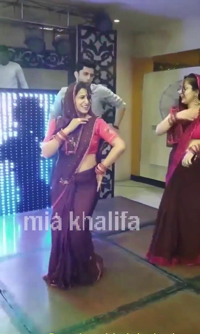 Indian Bhabhi Dance || Indian DANCE || DESI VIDEO DANCE