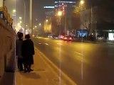 Incendie spectaculaire près d'une tour emblématique de Pékin