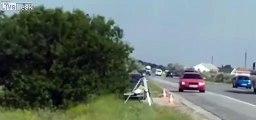 Radar de police : il l'asperge avec un extincteur sur l'autoroute !