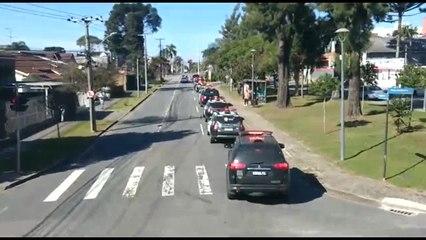 Policiais civis fazem carreata de protesto em Curitiba