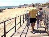 Playas repletas para dar el pistoletazo de salida a las vacaciones veraniegas