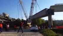 Effrayant : une grue s'effondre avec une partie d'un pont