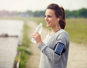 With Bottled Water You Double the Microplastic You Ingest