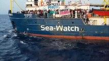 """Sea watch, la capitana: """"forziamo il blocco e sbarchiamo in Italia"""""""