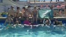Mujeres musulmanas reivindican el 'burkini' en una piscina municipal de Francia