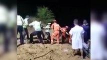 Milagro en China: conductor cae por un acantilado y se salva al agarrarse de un árbol