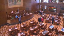 More than 100 bills in jeopardy as Oregon state senators remain in hiding
