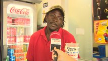 Vendedor explica que piden helados y agua para combatir el calor