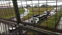 Trânsito no Contorno Sul é complicado após acidente com 14 feridos entre caminhão e ônibus