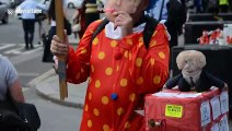 Clown dressed as Boris Johnson offers 'build-a-bus' workshop in London