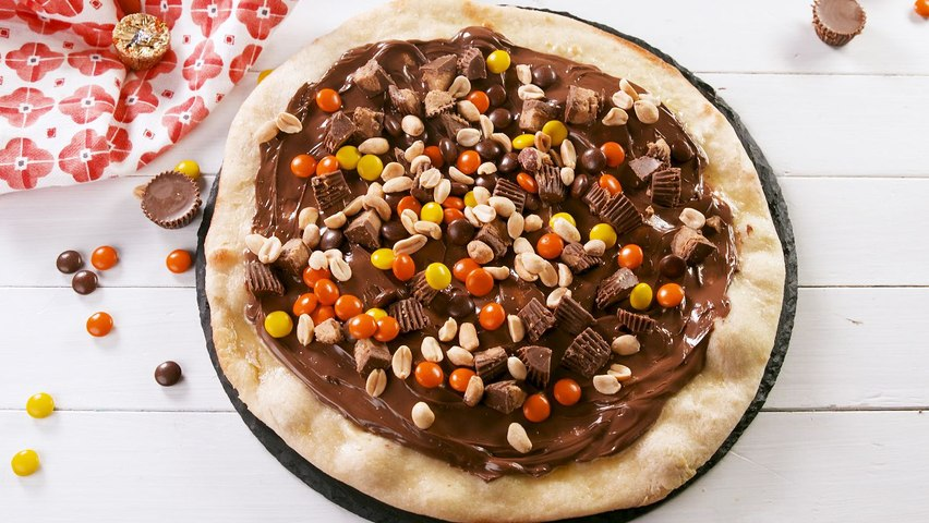 Chocolate Pizza Puts Red Sauce To Shame