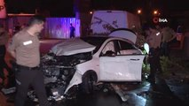 Polisten kaçan otomobil 4 kişiyi ezdi