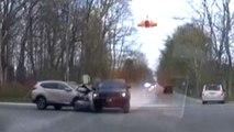 Un homme au volant d'une voiture volée percute deux voitures