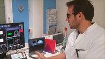Igor Bessières, physicien médical, présente la salle du pupitre de l'IRM MRIdian Linac