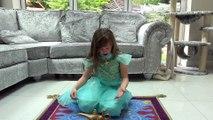 Sophia no Tapete  Mágico e o Gênio da Lâmpada em Casa - Filme Aladdin Disney