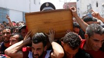 Tunisia: killed police officer buried