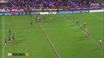 Ce joueur de rugby se remet le genou tout seul sur le terrain en plein match !