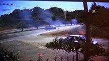Otomobilin çarparak devirdiği elektrik direği yangın çıkardı - ANTALYA