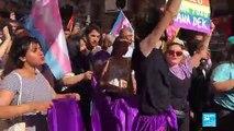 Turquie : des centaines de manifestants bravent l'interdiction de participer à la marche LGBT