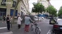 Paris : un automobiliste agresse un piéton aveugle et son accompagnateur en pleine rue