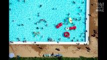 Ces femmes font du topless à la piscine municipale