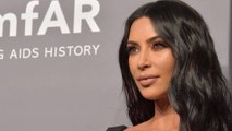 Kim Kardashian va finalement changer le nom de sa collection de sous-vêtements Kimono!