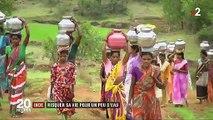 Face à la sécheresse en Inde, des femmes obligées de risquer leur vie pour puiser de l'eau