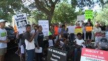 USA: des dizaines de manifestants devant un centre de la police de l'immigration