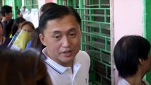 #PHVote: Bong Go lines up at the voting precinct, casts his vote