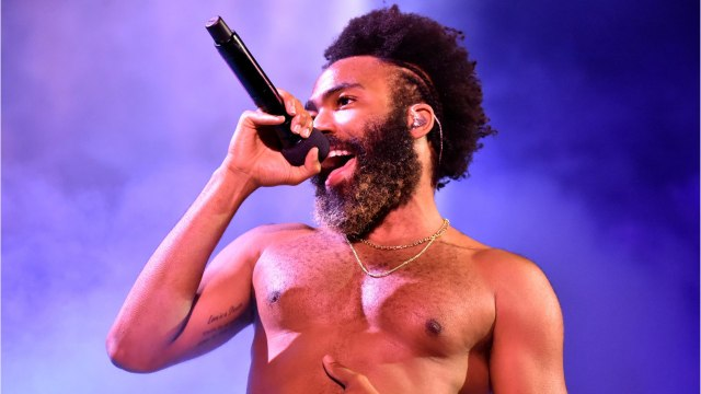 New Snippet Shows Donald Glover Singing 'Hakuna Matata' With Seth Rogen And Billy Eichner