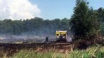 Un étang asséché prend feu à Saint-Jean-de-Thurigneux