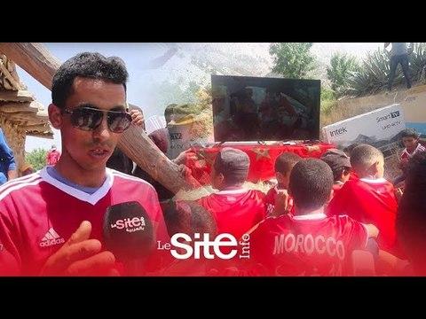 الأطفال الذين تابعوا مباراة المنتخب من الهاتف يتوصلون بتلفاز ومساعدات من بنعطية وحكيمي و المحمدي .