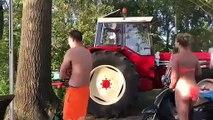 Le jeu de l'été : tirer une barque à toute vitesse avec un tracteur !